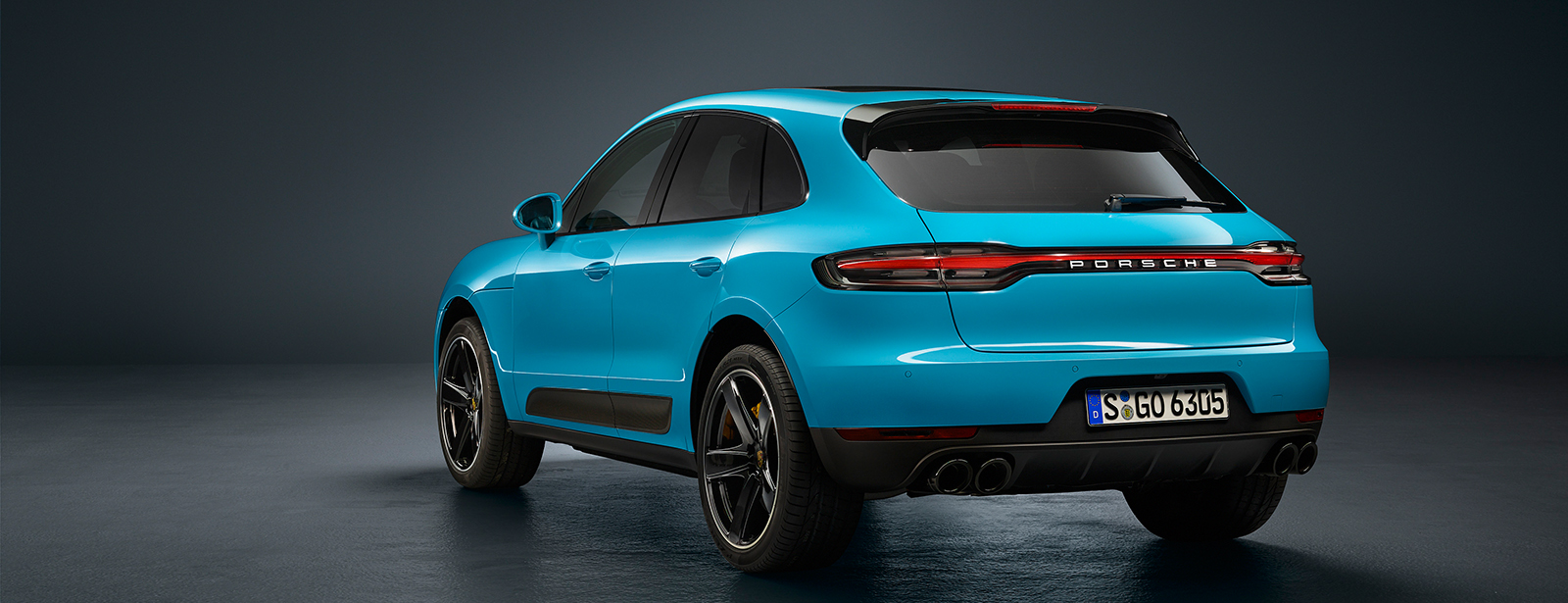 A world premiere in Shanghai: Porsche presents the new Macan